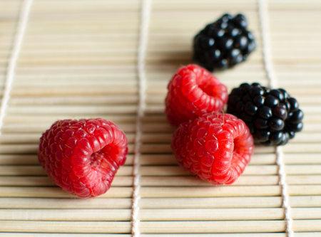 raspberries and blackberries Reklamní fotografie