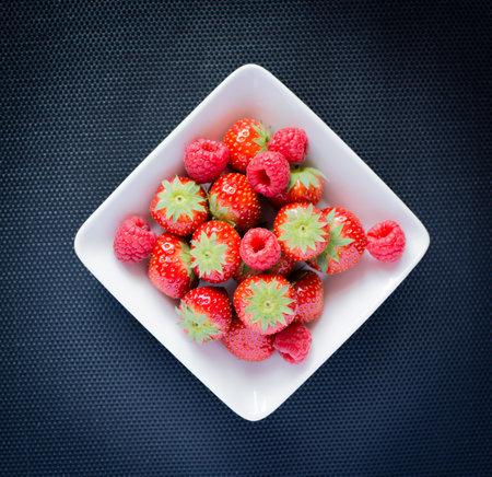 Strawberries, raspberries Reklamní fotografie