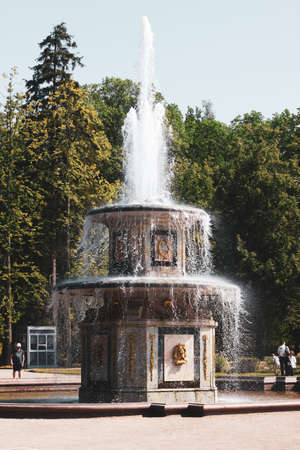 Saint-Petersburg, Russia, July 2021: Roman fountains in Peterhof. 新闻类图片