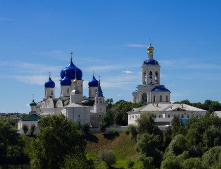 Russia, Vladimir Region, Bogolyubovo, June 2021: St. Bogolyubsky Convent in Bogolyubovo 新闻类图片