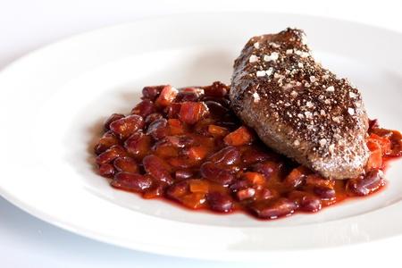 Steak Steak avec des haricots avec des haricots