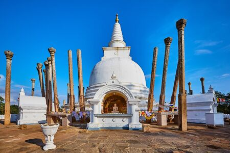 Thuparamaya is the first Buddhist temple in Sri Lanka.Tourist Destination in Anuradhapura. Reklamní fotografie