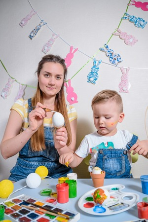 craft material tinker: Mother teaches kid to do craft items
