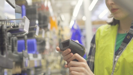 Accounting of goods with the help of barcode scanner