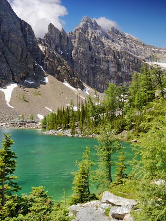 Lago de montaña - Montañas Rocosas canadienses