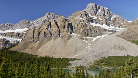 canadian rockies: Mountain in the Canadian Rockies