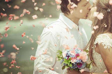 Altes Foto des Hochzeitspaar mit Brautstrauß