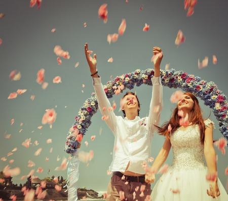Altes Foto des Hochzeitspaar Standard-Bild - 38316918