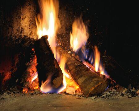 blazes: WOOD BURNING IN FIRE