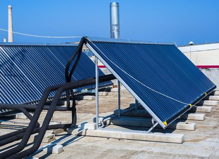 gelio: Vacuum solar cells for water heating system on the pool roof