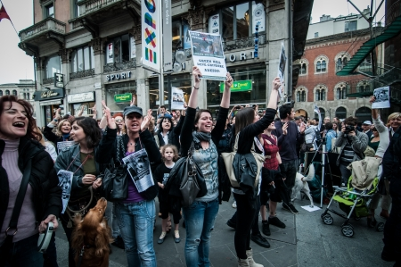 veganism: MILANO, ITALY - MAY 8  Manifestation against vivisection in Milan May 8, 2012  People protest in Milan against vivisection, struggling to close the dog testing center Green Hill and promoting veganism