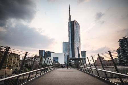 MILAAN, ITALIË - 5 juni: Porta Nuova wijk Varesine op 5 juni 2014. Porta Nuova Varesine is een van de grootste regeneratie projecten in Europa, die een totaal van meer dan 290.000 vierkante meter Stockfoto - 30053676
