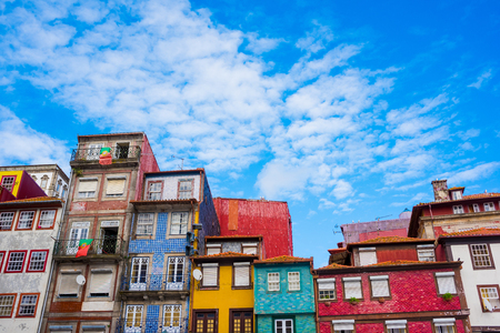 View of the colorful houses of Ribeira, the old town of Porto, Portugal Stockfoto