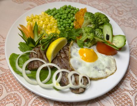 collation: appetizer, ate, beef, broil, cabbage, carbohydrates, carrot, collation, colorful, corn,