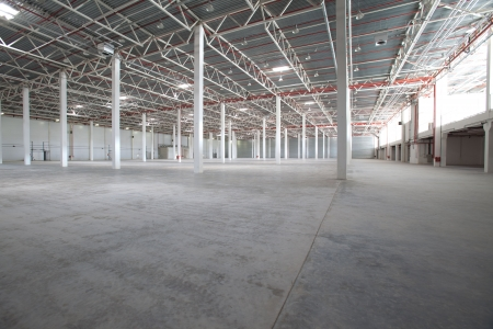 warehouse cargo: Interior of a modern warehouse ,clean and empty