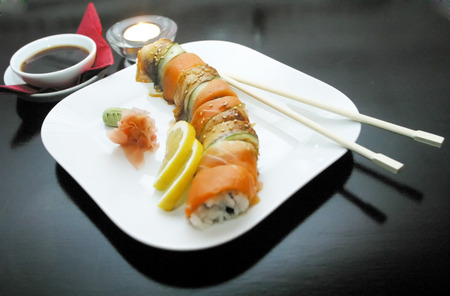 hashi: Sushion black table