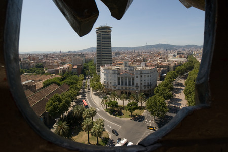 descubridor: BARCELONA, ESPAÑA - 05 de agosto: Barcelona. Vista aérea visto desde la columna de Columbus 05 de agosto 2011 en Barcelona, ??España.