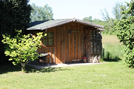klein houten tuinhuis