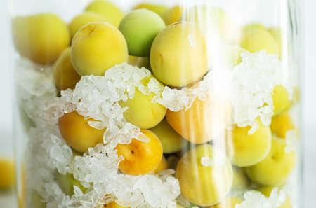 homemade traditional Japanese green plum wine UMESHU close up 免版税图像