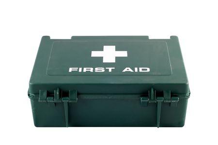 first aid box: Un verde de pl�stico caja de primeros auxilios aislados sobre un fondo blanco