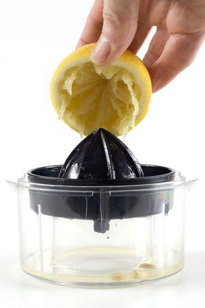 pips: vers geperst citroen en juicer
