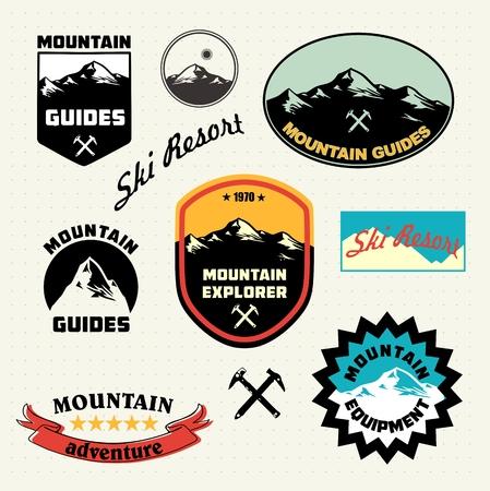 высокогорный: Горные наклеек. Альпинизм. Горнолыжный курорт логотип и коллекция иконок.