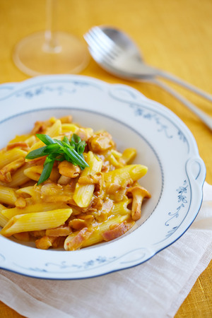 girolle: served portion of macaroni with mushrooms