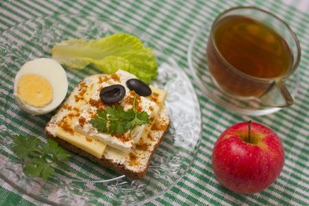 belly pepper: Breakfast sandwich and tea