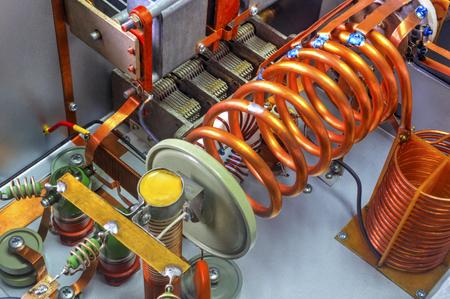 Vacuum tubes shortwave power amplifier - inside view Imagens