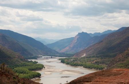 Yangzi fiume prima curva in Yunnan, Cina Archivio Fotografico - 18540151