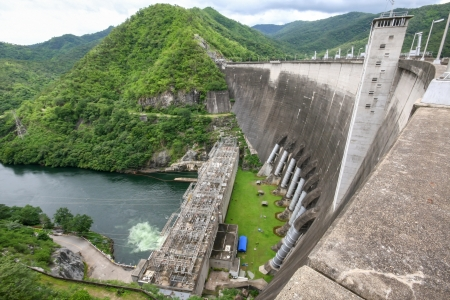 bridge construction: Bhumibol dam in Thailand with capacity of 13,462,000,000 cubic