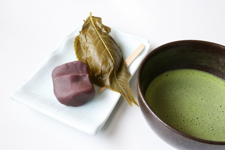 Japanese sakura moshi cake dessert with fresh hot green tea Stock Photo - 19281770