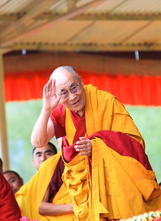 14th: Leh, India - 05 de agosto 2012: Su Santidad el decimocuarto Dalai Lama da ense�anzas, el 5 de agosto de 2012 a Shewatsel Grounds, Leh, Jammu y Cachemira, India.
