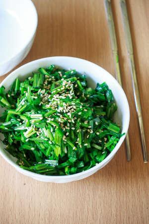 cebollines: La comida coreana: cebollino ajo salteado de