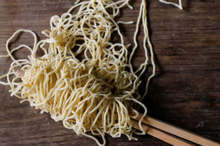egg noodles: Chinese food, thin egg noodles