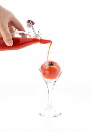 carot: The health and drinking tomato juice.