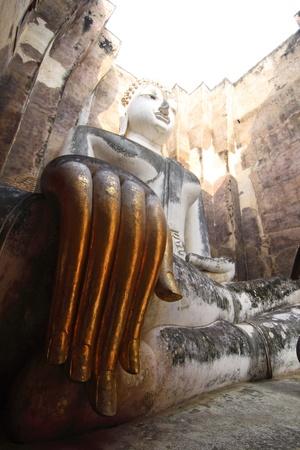 chum: Buddha Wat Si Chum in Sukhothai historical park