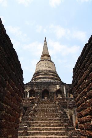 Wat Chang Lom in sukhothai unesco photo