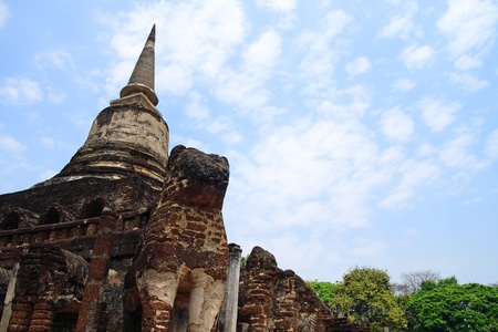 Wat Chang Lom in Si Satchanalai sukhothai unesco