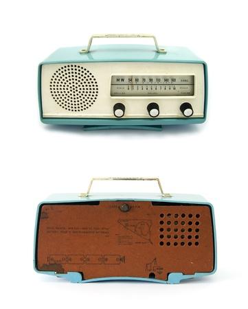 radio retr�: grungy retro indietro radio e front su sfondo bianco isolato