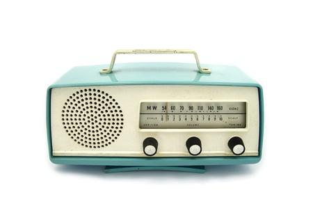 radio retr�: grungy retr� radio su sfondo bianco isolato