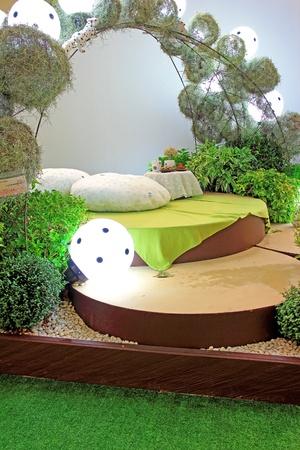 garden bench: Bed in the garden