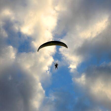 gliding: silhouette paramotor