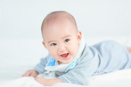 Kleine pasgeboren baby boy Stockfoto