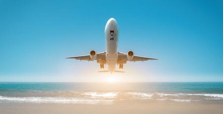 chorro: aterrizaje del avión sobre el mar