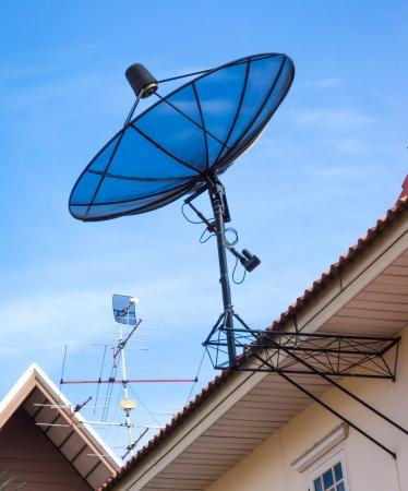 antena parabolica: antena, sat�lite - plato