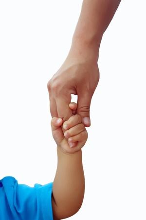papa y mama: Hijos adultos tomados de la mano