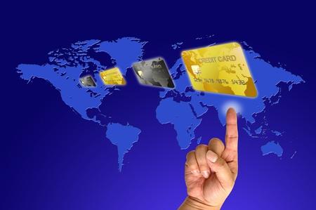 人間の手でクレジット カード