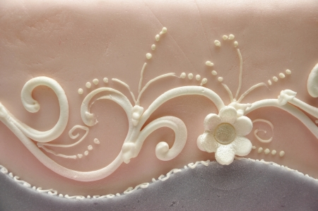 icing sugar: Flowers cake decoration