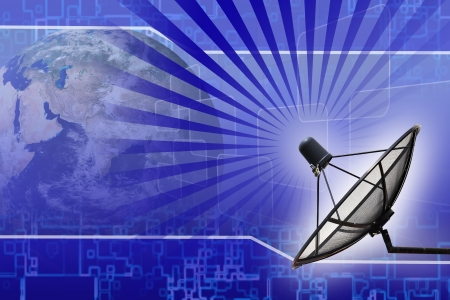 antena parabolica: La transmisi�n por sat�lite plato datos tierra de fondo Foto de archivo